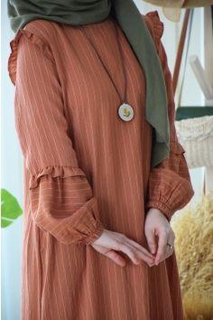 Hijab Style Dress, Modest Fashion Hijab, Modern Hijab Fashion, Muslim Women Fashion, Modesty Fashion, Islamic Fashion, Stylish Hijab, Hijab Fashion Inspiration, Fashion Outfits