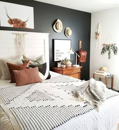 boho bedroom 44 Extraordinary Farmhouse Boho Bedroom Design And Decor. boho bedroom 44 Extraordinary Farmhouse Boho Bedroom Design And Decor Ideas Cozy Bedroom, Home Decor Bedroom, Design Bedroom, Bedroom Inspo, Grey Wall Bedroom, Boho Bedroom Diy, Bedroom Black, Bed Wall, Bedroom Decor Master For Couples