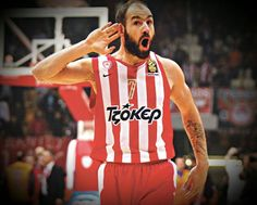The story about Vassilis Spanoulis  He was born 7 August 1982. One of the best players in the hystory of Europe.   Spanoulis played on instrumental role on the Eurobasket 2005 when Greece won gold medal. Most importlanty he was one of the main stars of Greece 2006 World Championship silver medal scoring 22 pts in the memorably victory over USA (101-95).He won a bronze medal at the Euro 2009.  For the fifth time in a row he is playing in the finals of the Final Four.He has already won 3…
