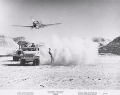 LOW PASS P-40 , NORTH AFRICA
