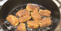 Rulouri din piept de pui cu brânză topită și usturoi. Vă vor cuceri de la prima îmbucătură! - Retete-Usoare.eu Iron Pan, Ethnic Recipes, Food, Meal, Essen, Hoods, Meals, Eten