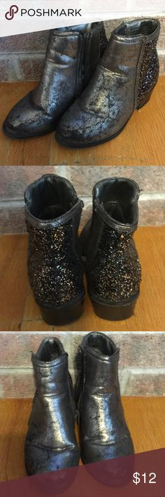 Girls Size 12 gunmetal and glitter heeled booties Please feel free to ask any questions or make an offer, and as always THANK YOU for shopping my posh closet! Xoxo -Tish Faded Glory Shoes