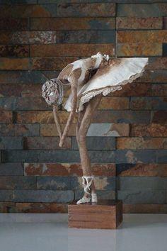Sculpture by Merilyn/Push Molds Alberto Giacometti, Paper Mache Sculpture, Sculpture Art, Paper Dolls, Art Dolls, Victorian Christmas Decorations, Ballet Art, Newspaper Crafts, Wire Art