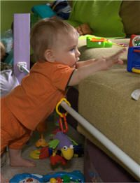 Montessori-type activities for 9 month old... Like the idea of DIY pull-up bar
