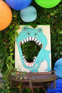 Dinosaur…in a box Feed the T-Rex. Dinosaur…/ in a box. Dinosaur…in a box Feed the T-Rex. Dinosaur…/ in a box. Dinosaur Party Decorations, Dinosaur Party Favors, Dinosaur Crafts, Dinosaur Birthday Party, 3rd Birthday Parties, Boy Birthday, Dinosaur Face Painting, Festa Jurassic Park, Dinosaur Cake Toppers