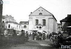 Izaak Synagogue (Ajzyk Jekeles) on Kazimierz at the corner of  Isaac  and Kupa 18 in Krakow (April 1936)..