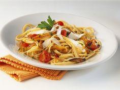 Nudeln mit Herbstgemüse sind einfach unschlagbar gut: Pasta mit gerösteten Pastinaken  | http://eatsmarter.de/rezepte/pasta-mit-geroesteten-pastinaken
