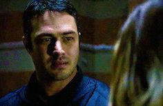 erin lindsay and kelly severide | Lindsay and Severide in 2x13