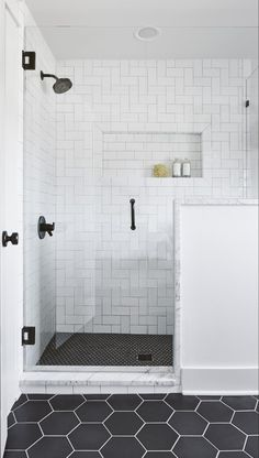 Beautiful master bathroom decor some ideas. Modern Farmhouse, Rustic Modern, Classic, light and airy master bathroom design ideas. Bathroom makeover tips and bathroom remodel some ideas. Bad Inspiration, Bathroom Inspiration, Douches Subway Tile, Subway Tile Showers, White Subway Tile Shower, Glass Showers, Tiled Showers, White Tiles, Black Shower