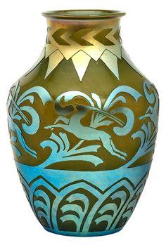 Steuben vase Steuben Glass, List Of Artists, Auction Items, Types Of Art, American Art, Metal Working, Iridescent, Vases, Glass Art