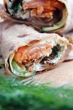 Połączenie wędzonego łososia, serka i koperku to klasyk i jeden z moich smakowych ulubieńców! Na pewno nie raz jedliście tortille w tym…
