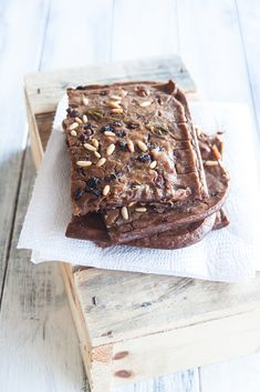 An unusual summer idea: chestnut cake with pine nut icecream - Juls' Kitchen