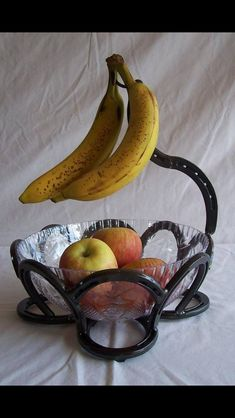 Horse Shoe Fruit Bowl. Cute!! #horseshoes