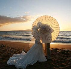 Wedding Photos With Parasols « David Tutera Wedding Blog • It's a Bride's Life • Real Brides Blogging til I do!