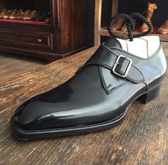 "frecciabestetti: ""Novecento line , Monk strap in French calf black , last 1966 "" Italian Men, Italian Leather, Formal Shoes, Dream Shoes, Shoe Boots, Men's Shoes, Shoes Men, Spectator Shoes, Dress Pants"