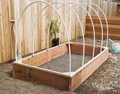 Choose from more than 80 of these DIY Raised Garden Beds. There are garden ideas for every budget, skill level and time frame. Backyard Greenhouse, Small Greenhouse, Greenhouse Ideas, Raised Garden Beds, Raised Beds, Outdoor Projects, Garden Projects, Garden Boxes, Cool Diy