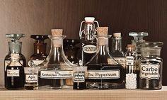 tinc ハーブチンキ(チンキ剤・ティンクチャー)の作り方  ハーブチンキ・チンキ剤・ティンクチャー ハーブには様々な利用方法があります。一番一般的なものは、ハーブティーとして飲用すること。その他にも、ハーブの成分を抽出して、スキンケアやホームケア、料理などに使用できます。その際に...