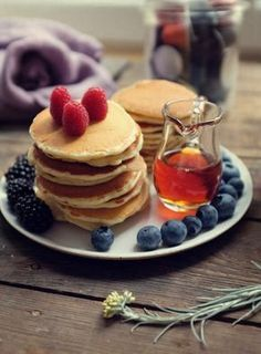 Moje śniadania. Klasyczne pancakes i kawa. – White Plate Cooking With Kids, Pancakes, Coffee, Breakfast, Smile, Foods, Coffee Cafe, Breakfast Cafe, Food Food