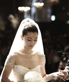 Jun Ji Hyun Sets an Example for Celebrity Weddings with Donation
