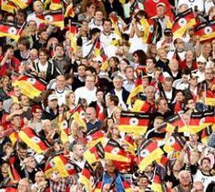 Hier ist der Spielplan! - Fußball-EM 2012 - Bis zum 1. Juli kicken die besten Nationalmannschaften Europas um den Meistertitel. Wer muss wann ran?
