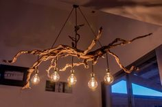 unique....imposant lustre en bois flottés Cabin Chandelier, Wooden Chandelier, Wooden Lamp, Room Lights, Ceiling Lights, Decoration Hall, Plywood Interior, Diy Projects Plans, Bamboo Light