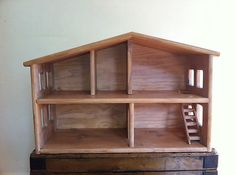 Dolls House, Wooden  PHOTO ONLY  I pinned for visual reference to make my own