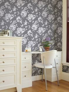 The wallpaper I'm thinking of for the entry. hgtv home sherwin-williams wallpaper livable luxe
