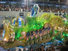Carnaval, Rio.... It looks so much fun!!!! Maybe I can get me a blue bird!