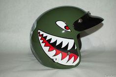 airbrush on helmet shark teeth #airbrush #sharkteeth #iwata