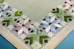 Vintage 1960s handmade green flat-seam embroidery linen tablet
