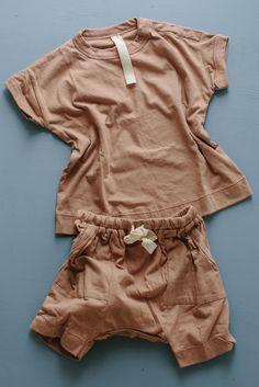 the ultimate short - mushroom Organic Baby Clothes, Baby Kids Clothes, Baby Girl Fashion, Kids Fashion, Toddler Outfits, Kids Outfits, Mix Baby Girl, Mode Hijab, Baby Shirts