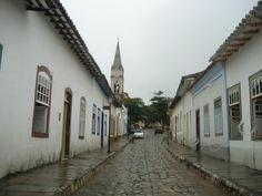 """Conheça a cidade de Cidade de Goiás – GO  ★  Assim é a Cidade de Goiás, conhecida como o """"berço da cultura goiana"""", além de ter recebido o título de Patrimônio Mundial pela UNESCO, no ano de 2001. A cidade foi muito importante durante...  Saiba mais ✈ http://viagens.vejapixel.com.br/dicas/destinos/america-do-sul/brasil/conheca-a-cidade-de-cidade-de-goias-go/"""