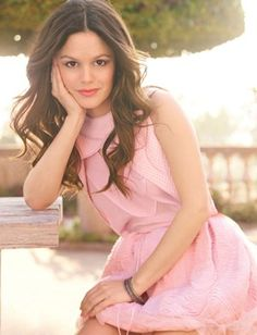 """""""I love the shape of this skirt—Vera Wang does so many interesting architectural shapes."""" - Rachel Bilson"""