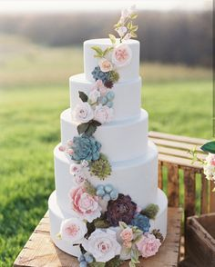 Floral Wedding Cakes Beautiful white wedding cake with feminine earth color foliage and flower detail for a beautiful, unique spring wedding. Bolo Floral, Floral Cake, Perfect Wedding, Dream Wedding, Wedding Day, Wedding Venues, Wedding Ceremony, Wedding Tips, Wedding Wishes