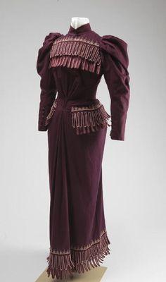 Woman's Deep Purple Worsted Wool Dress. Ca. 1887 to 1897   Missouri History Museum #vintage #vintagefashion