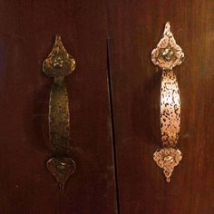 Gorgeous brass door handles, with a little love from Bar Keepers Friend.
