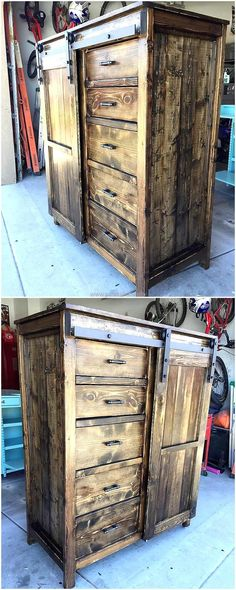 Here is another design for the upcycled wood pallet entryway table creation; it contains multiple drawers and the space to store the items. This idea will cover the items and it is not like the one shown earlier with no doors. The decoration pieces can be placed over the table for attractive look.