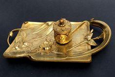 Online veilinghuis Catawiki: Art Nouveau bronzen inktstel