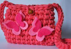 Bolso de ganchillo crochet. bolso de trapillo. bolso para niña.