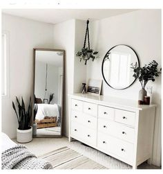Simple Bedroom Decor, Home Decor Bedroom, Simple Bedrooms, Design Bedroom, Budget Bedroom, Diy Bedroom, Adult Bedroom Ideas, Bedroom Mirrors, Bedroom Modern