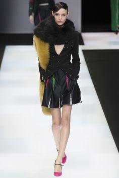 Emporio Armani Fall 2016 Ready-to-Wear Fashion Show