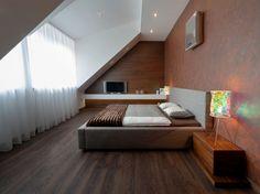 Modernes Schlafzimmer Mit Dachschräge Und Wandregal | Wohnungsideen |  Pinterest | Schlafzimmer Mit Dachschräge, Moderne Schlafzimmer Und  Dachschräge