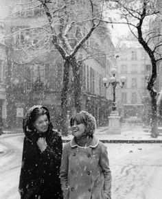 Robert Doisneau - Place Fürstenberg in the Snow, Paris      1966.
