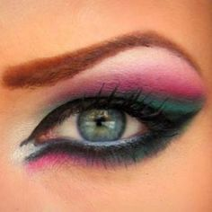 watermellon pink and green eye makeup #lyran #cat eyes