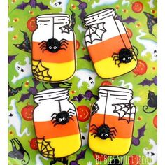 My Candy Corn Mason Jar tutorial is live on @momsandmunchkins. Just in time for all your Halloween celebrations! #decoratedcookies #cookiedecorating #cookietutorial #halloween #halloweencookies #candycorn #masonjar #spider #cute #spooky #fun #sweet #yummy #momsandmunchkins