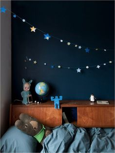 kids room ideas - glow in the dark star garland chambre enfant Deco Kids, My Ideal Home, Modern Kids, Blue Walls, Dark Walls, Indigo Walls, Kid Spaces, Kids Decor, Kids Bedroom