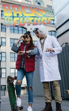 woman-man-dressed-as-doc-marty-mcfly-back-to-the-future-characters-last-minute-halloween-costumes It is time to start getting ready for the spookiest holiday of the year. In this article you can find more than 80 unique Halloween costume ideas. Cute Couple Halloween Costumes, Best Couples Costumes, Family Costumes, Halloween 2020, Halloween Couples, Halloween Ideas, Group Costumes, Diy Costumes, Couple Costume Ideas