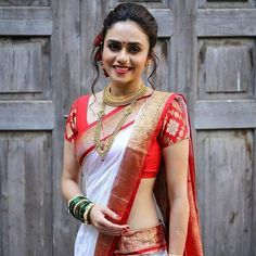 Gorgeous Amruta Khanvilkar in White Saree Beautiful Girl Indian, Beautiful Saree, Beautiful Indian Actress, Beautiful Outfits, Beautiful Bride, Indian Bridal Outfits, Indian Bridal Lehenga, Indian Beauty Saree, India Sari