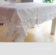 Afbeeldingsresultaat voor geborduurde tafelkleden