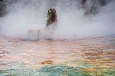 In unserem Organismus und insbesondere für den Aufbau der Gelenksknorpel spielt 2-wertiger Schwefel eine große Rolle... Der Schwefel hilft den Knorpel zu regenerieren. Hier kannst du erfahren, wie! Cairns, Hot Springs, Czech Republic, Niagara Falls, Travel Tourism, Nature, Destinations, Spa, Perfect Place